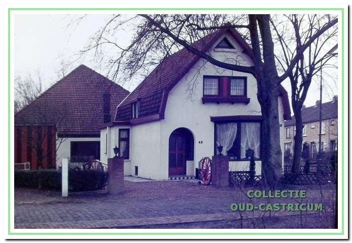 Op 13 december 1972 brak brand uit in de benedenverdieping van het woonhuis.