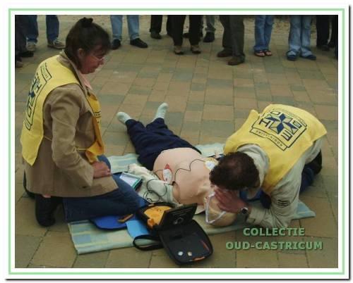 Training met AED in 2004.