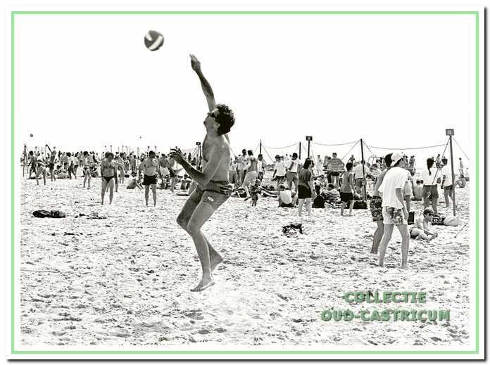 Het Bakkum Beach volleybaltoernooi.