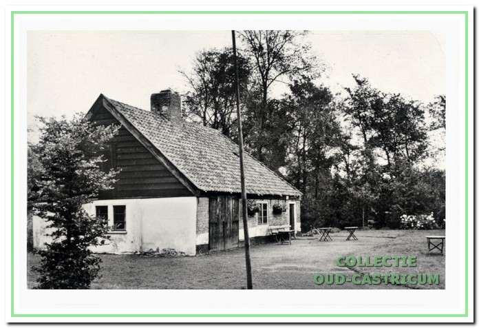 'Het Oude Huis' als theehuis voor bezoekers; sinds 1969 is hierin het museum ondergebracht.
