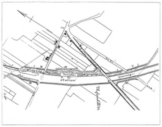 Kaart uit 1868 van Van Prehn met het station en omgeving waarop door de spoorbaan doorsneden wegen en paden en de daarvoor in de plaats gelegde parallelwegen en overwegen.