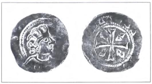 Een zilveren kopje met de beeltenis van Floris III. De munt is ongedateerd, maar moel tussen 1157-1190 geslagen zijn.