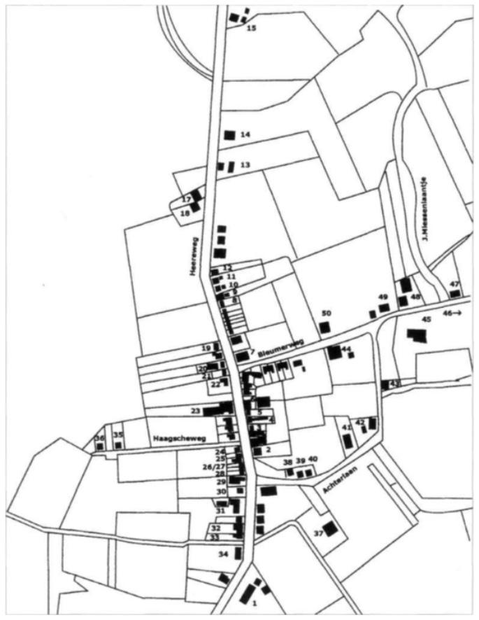 Kaart 1 Zuid-Bakkum: de huizen die genummerd zijn, bestaan in 1930; onder de volgnummers 1 t/m 50 worden de bijbehorende huizen en bewoners in de tekst beschreven (tekening Jort Boot).