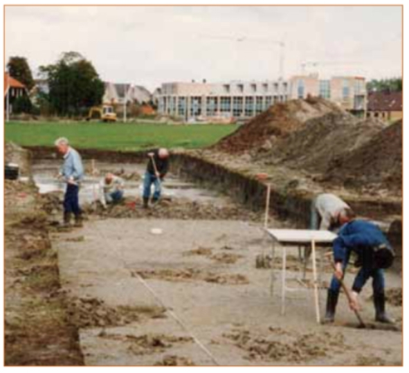 In 1995 zijn bij archeologisch onderzoek in de Oosterbuurt huisplattegronden en graven gevonden uit de 2e eeuw na Chr. Ook nabij het Zorgcentrum De Boogaert zijn graven uit die tijd aangetroffen.