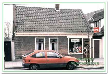 Sigaren- en sigarettenzaak van Guurtje Stuifbergen.