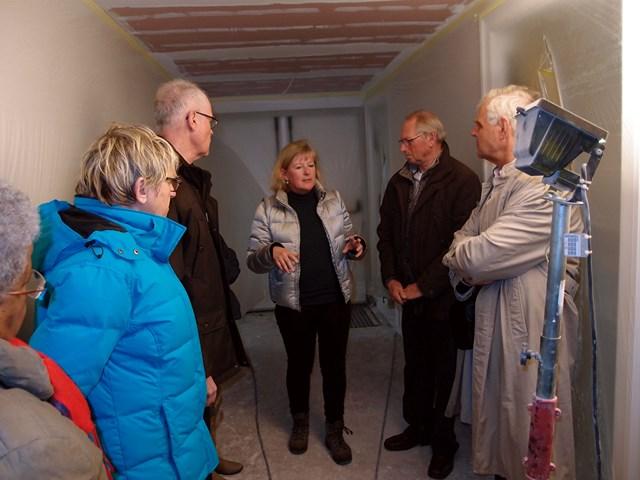 Werkgroepleden krijgen rondleiding in Huize Koningsbosch