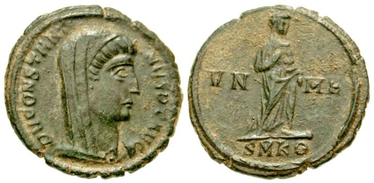 Munt uit Kyzikos, met dezelfde afbeeldingen van Constantijn (postuum geslagen in 347-348 n.C.). Hier is de 9e officina wel door een theta weergeveven : SMKΘ = S(acra) M(oneta) K(yzikos) 9e (officina)