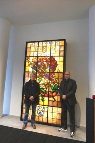 Links de heer G. Roelofs, rechts de wethouder van Amsterdam R. Groot Wassink. (c foto's gvo)