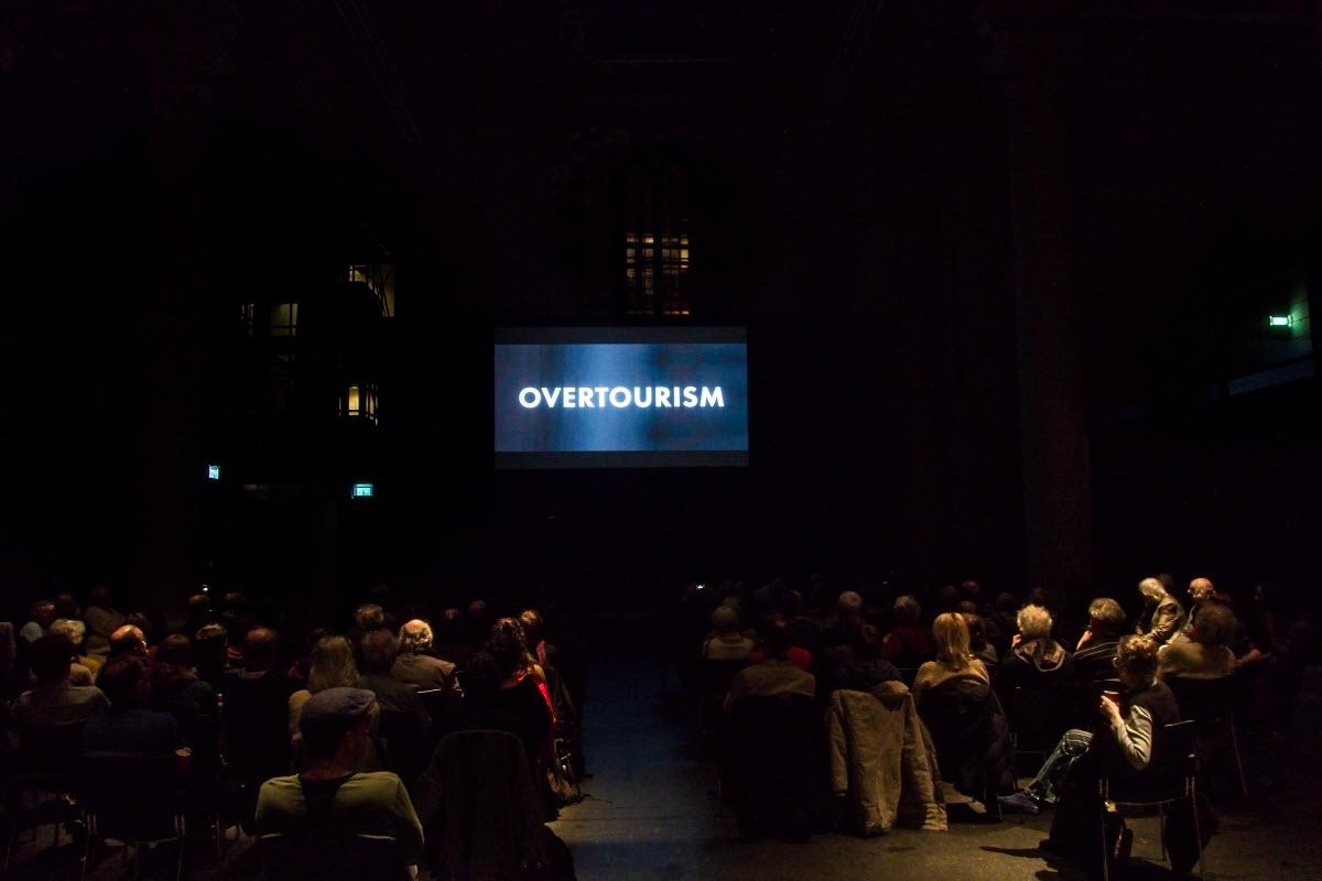 Overtoerism; film en debat