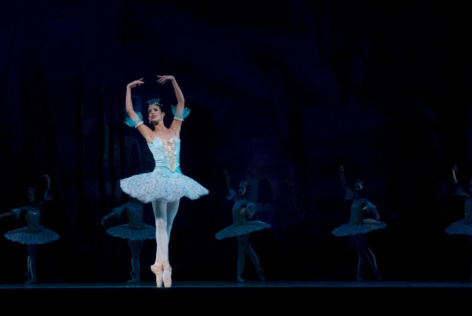 balance-ballerina-ballet