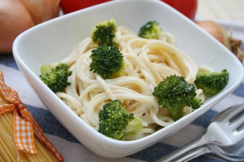 spaghetti with broccoli