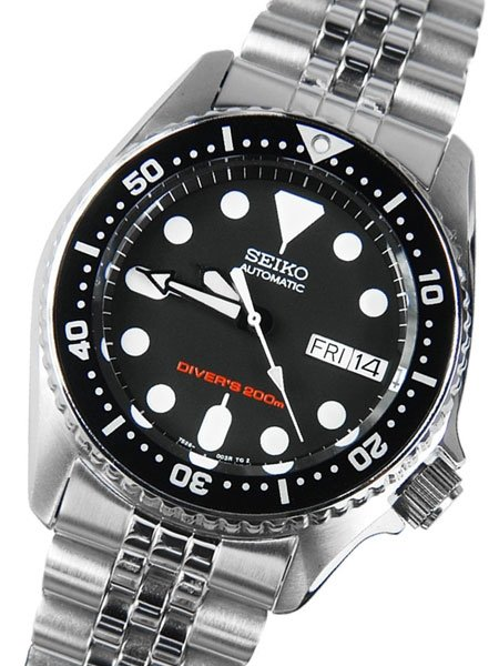 Top 6 Women s Dive Watches  11ea5043c