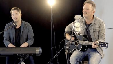 Photo of He Lives // Chris Tomlin // New Song Cafe