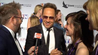Photo of tobyMac on the Dove Awards Red Carpet