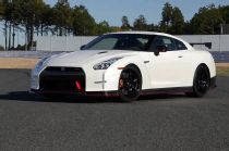 2015 Nissan GT-R Nismo Track Drive, Tokyo Motor Show on WOT Video