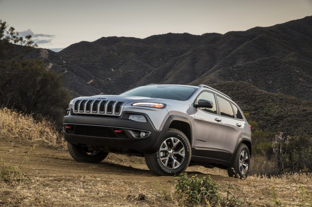 Jeep Evaluating Hybridizating Portions of Its Lineup, Exec Says