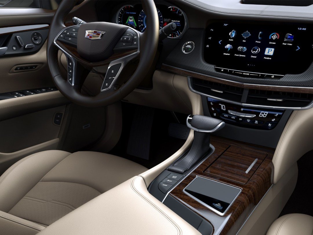 CT6-drivers-seat-console
