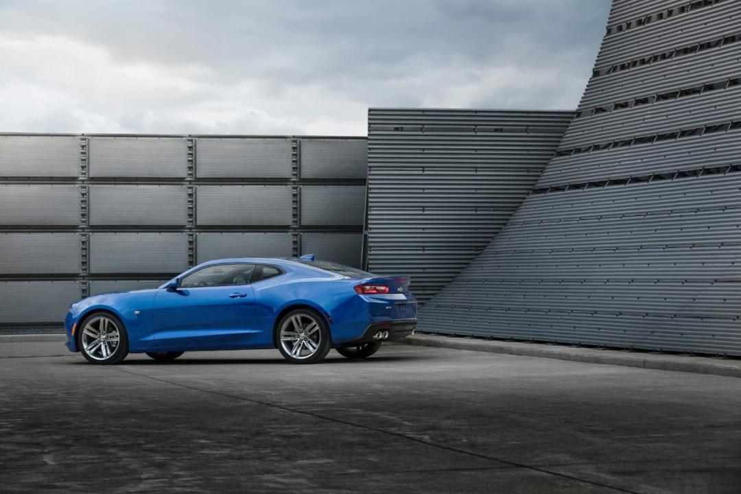 2016-Camaro-blue-l