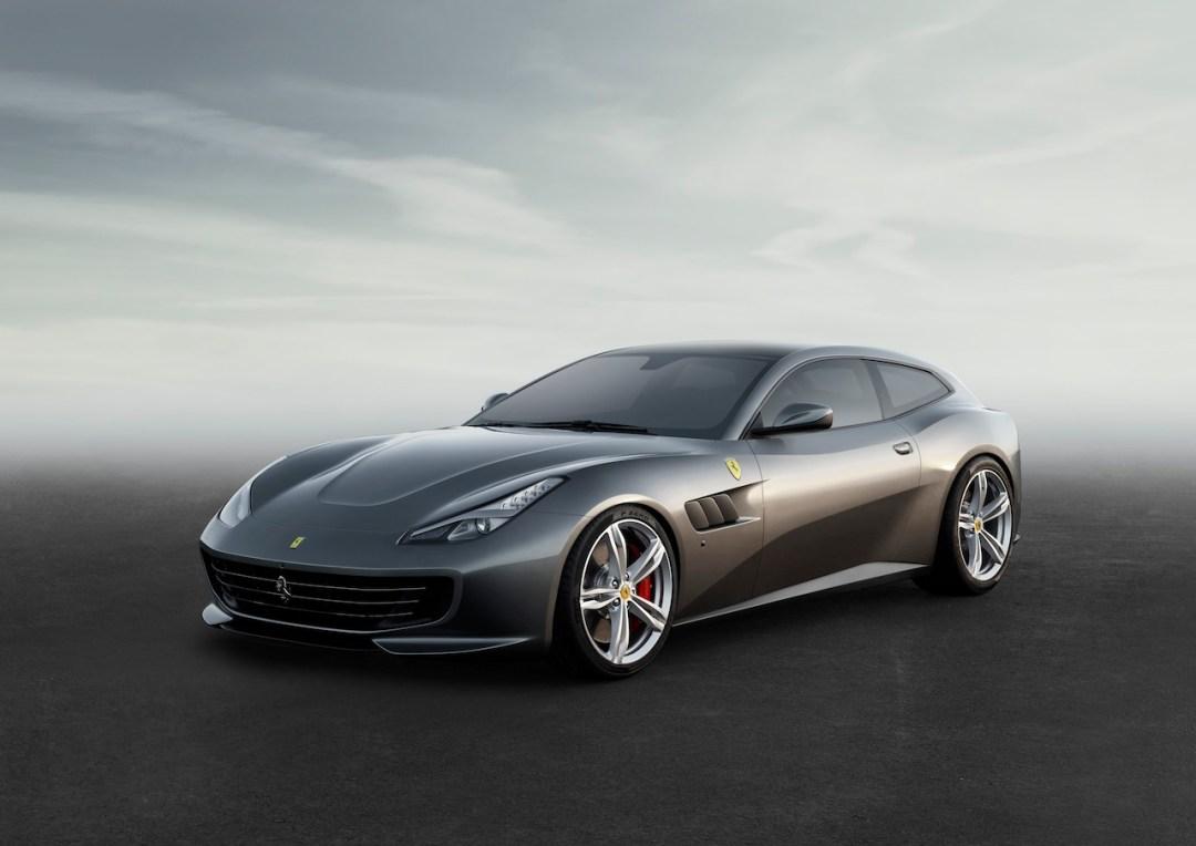 Ferrari_GTC4Lusso_fr_3_4_LR1