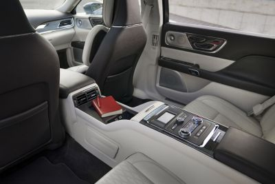 LincolnContinental-CoachDoors_HR_19