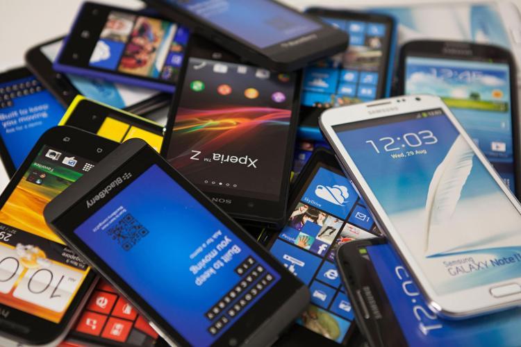 Would You Go Into Debt For a Smartphone?