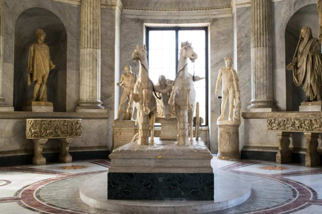 2 Days in Rome: Vatican Museums Statue