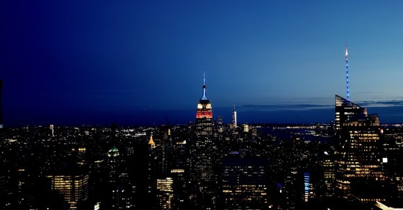 Empire-state-building-night-time
