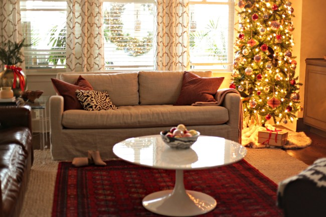 living room Christmas tour