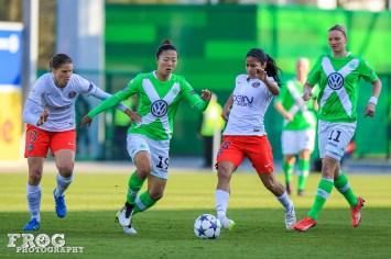 Annike Krahn (PSG), Yuki Ogimi (WOB), Shirley Cruz (PSG), and Alex Popp (WOB).