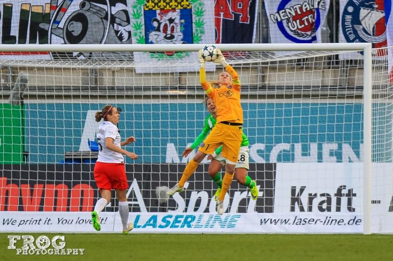 Katarzyna Kiedrzynek (PSG) makes a save.