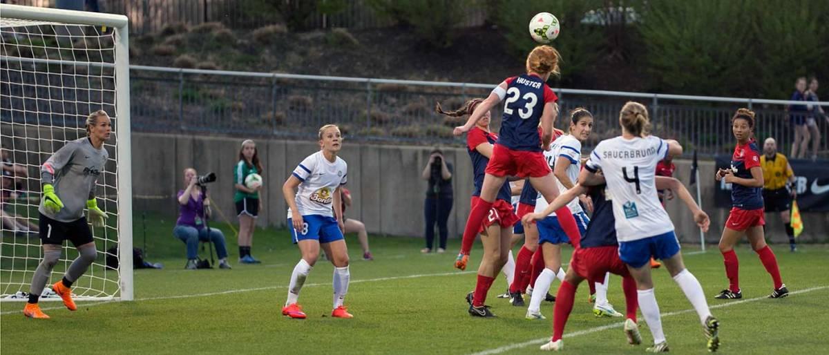 Tori Huster against FC Kansas City.