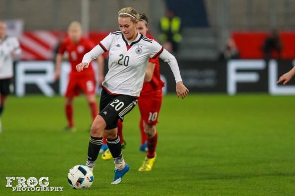 Lena Goeßling (GER) on the ball.