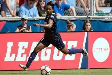 Taylor Smith on the flank for the North Carolina Courage. (Shane Lardinois)