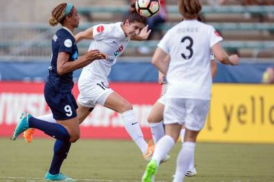 Yael Averbuch clears the ball for FC Kansas City. (Shane Lardinois)