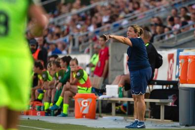 Seattle Reign head coach Laura Harvey. (Shane Lardinois)
