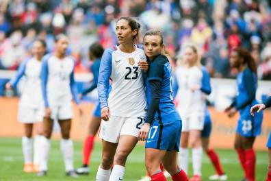 USA's Christen Press and France's Marion Torrent get to know one another during the 2018 SheBelieves Cup. (Monica Simoes)