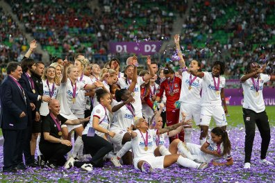 Lyon celebrating. (Daniela Porcelli / OGM)