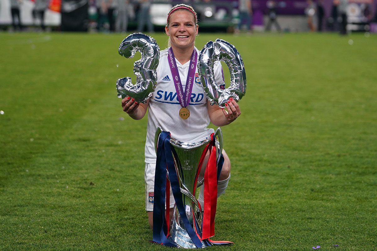 Eugénie Le Sommer celebrating her 30th birthday and her Champions League win. (Daniela Porcelli / OGM)