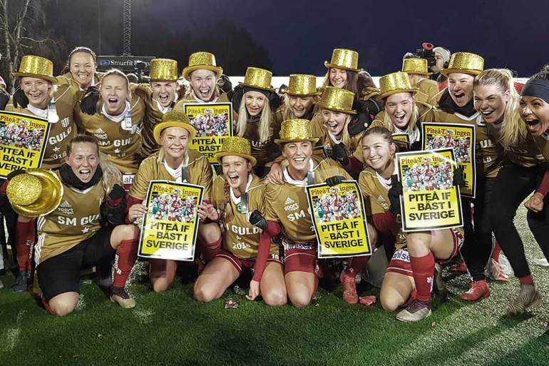 Pitea IF celebrating after winning the 2018 Damallsvenskan (Pitea IF).