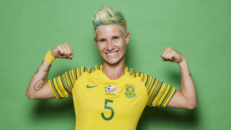 Janine van Wyk (FIFA)