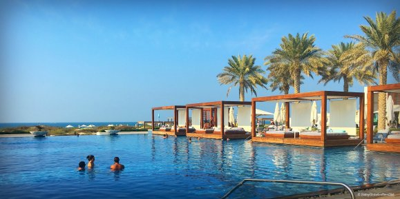 Brilliant Brunch at Safina - Saadiyat Beach Club | Discover the UAE | OurGlobetrotters.Com