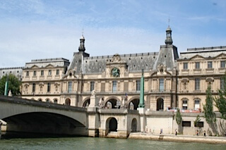 The Louvre from Riverboat | Explore My City - Paris | OurGlobetrotters.Com