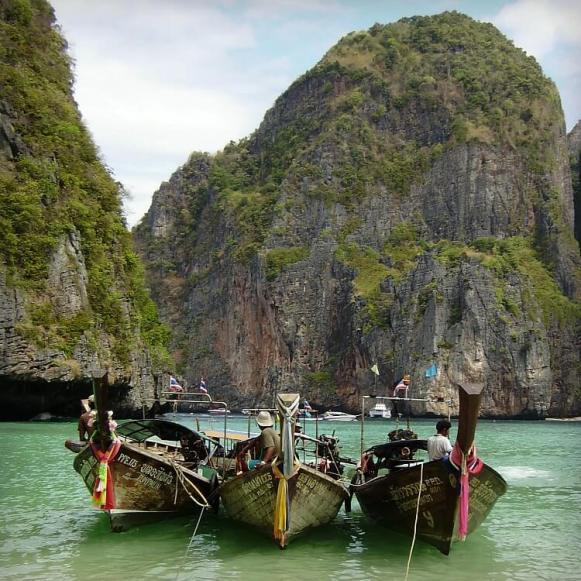 Long Beach Koh Phi Phi: Ultimate Romantic Paradise