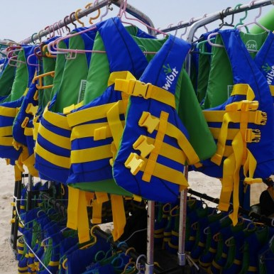 Lide jackets for all at AquaFun Abu Dhabi Corniche inflatable play park | Review by Our Globetrotters