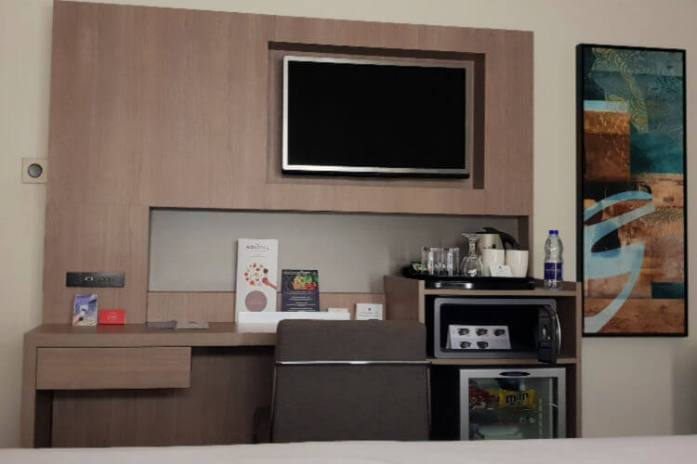 Small kitchenette facillities in the Queen Suite | Novotel World Trade Centre Dubai Family Review