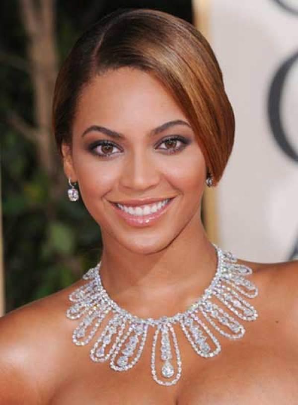 Beyonce Romantic and Sleek Updo