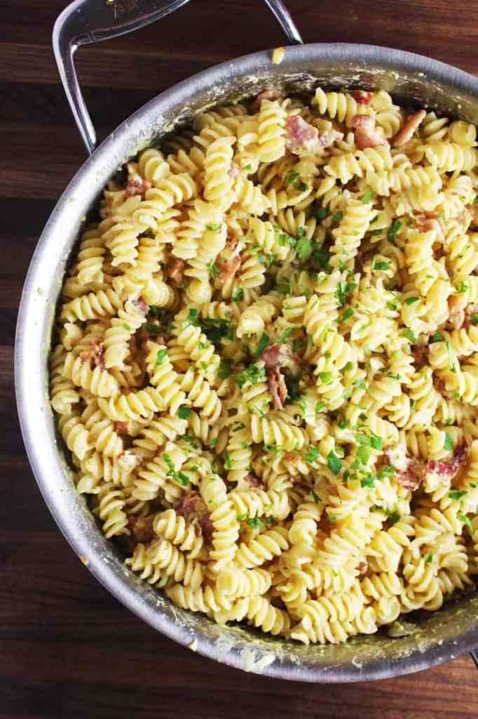 Easy pasta carbonara recipe in a pan