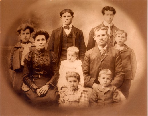 Edwin and Loretta Case's family. Back row: Frank and Avey; middle row: Elsie, Loretta, Theodore, Edwin and Charles; front row: Verda and John