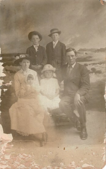 Arthur, Hazen, Idell, Waldo, Marie and Clyde Fisher