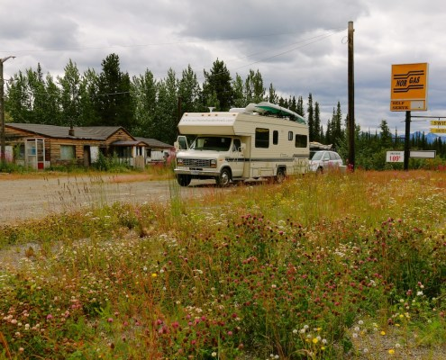 Swift River Lodge, yukon, alaska hwy,